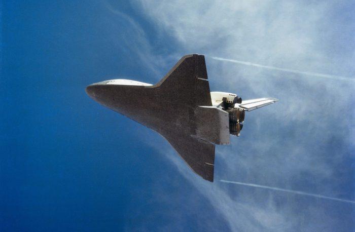 space-shuttle-landing-600463_1920